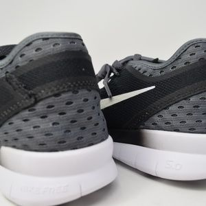 Nike Shoes - Nike 5.0 TR Fit 5 Breathe Womens shoes 718932-001